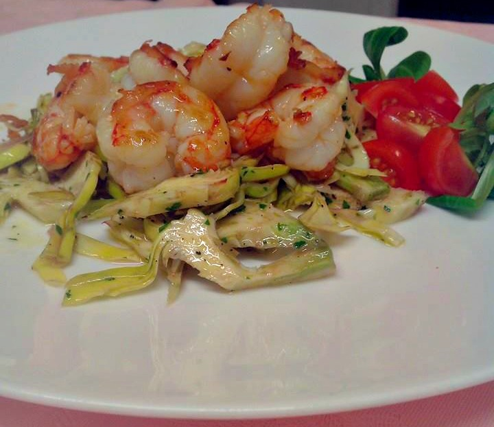 Prawn's tails Artichokes salad with stir fry shrimps